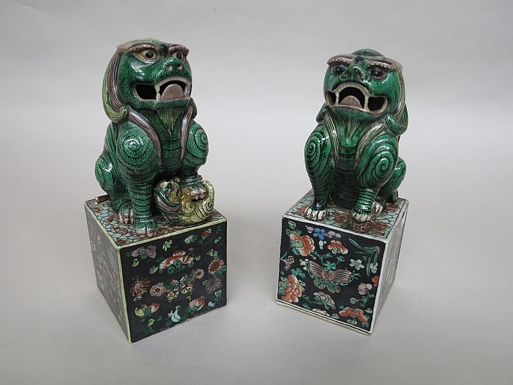 PAIR ANTIQUE CHINESE PORCELAIN FOO LION FIGURES