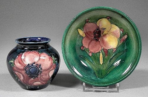 A Moorcroft pottery bowl, tube lined and decorated