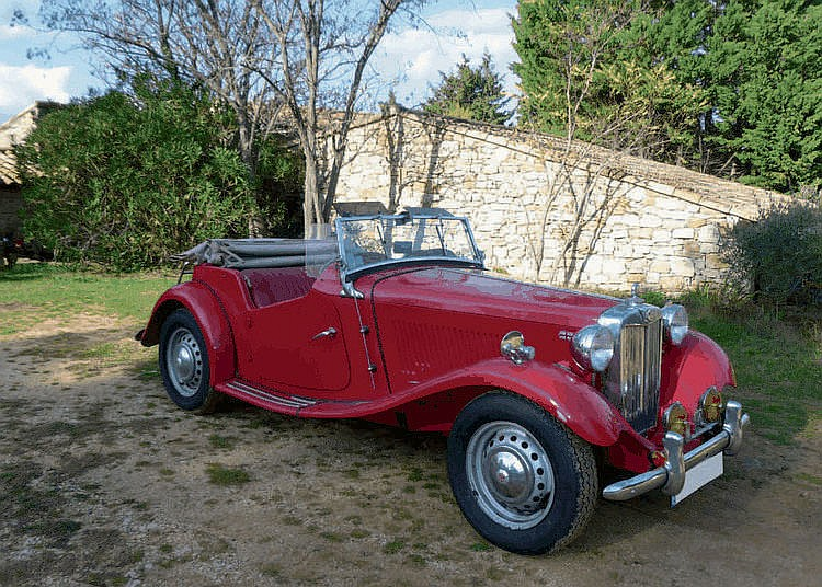 MG TD - 1953 Numro de chssis : #TD23727 N en 1888 et destin  suivre les traces de son pre au sein de l'imprimerie familiale, Cecil Kimber montra ds son plus jeune ge un fort intrt pour les vhicules motoriss, objets encore rares sur les
