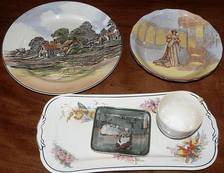 Five Royal Doulton series ware pieces including