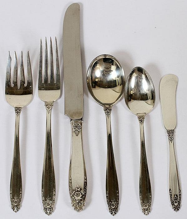 INTERNATIONAL 'PRELUDE' PATTERN STERLING FLATWARE, 82 PIECES