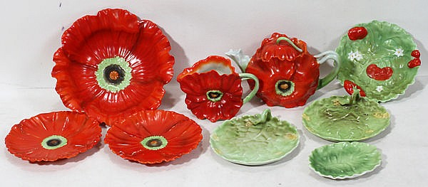 ROYAL BAYREUTH 'POPPY' PORCELAIN TABLEWARE, THIRTEEN PIECES