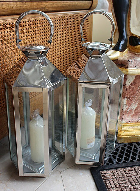 A PAIR OF SILVERED HEXAGONAL CANDLE LANTERNS with
