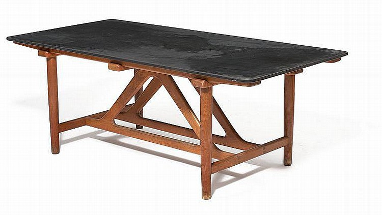 Brge Mogensen: Unique oak dining table with top of black slate. Designed in 1951. L. 195 cm.