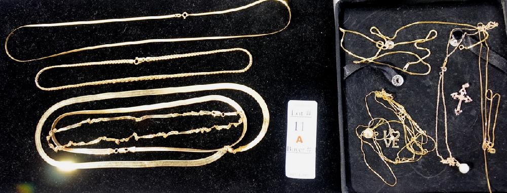Group of 14 kt necklaces