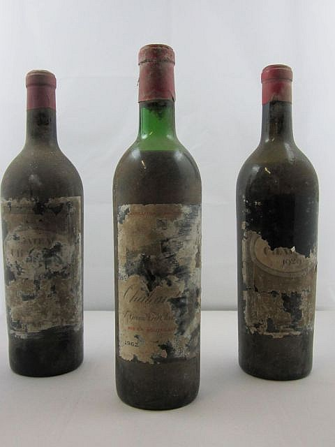 3 bouteilles 2 bts : CHTEAU CHAUVIN 1929 Saint Emilion - mise ngoce, mise Nicolas (1 mi-paule et 1 basse paule, tiquettes totaleme
