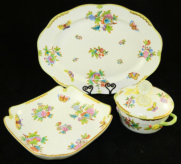 Herend Hungary hand painted dinnerware set