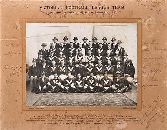 RARE SIGNED PHOTOGRAPH OF 1930 VICTORIAN FOOTBALL LEAGUE TEAM Overall 40cm x 50.5cm