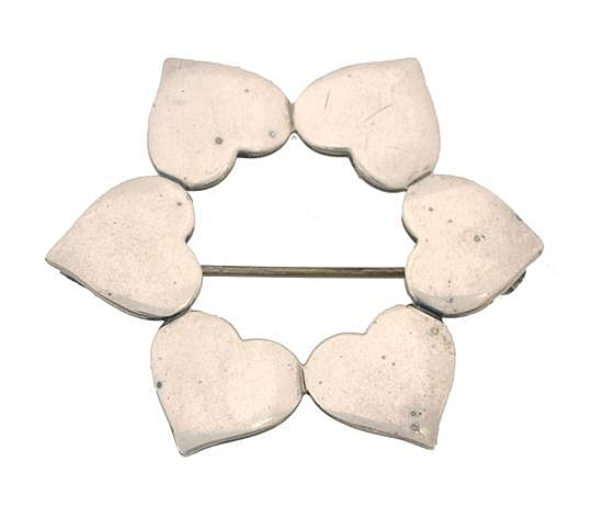 A BROOCH DESIGNED BY HANS HANSEN