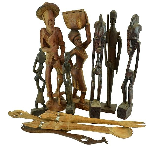 Lot of wooden figures.