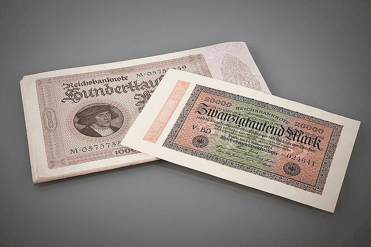 COLLECTION OF TWENTY TWO REICHSBANK 100,000 MARK BANKNOTES
