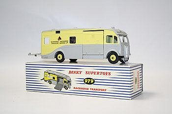 Dinky Supertoy - Racehorse Transport no. 979,