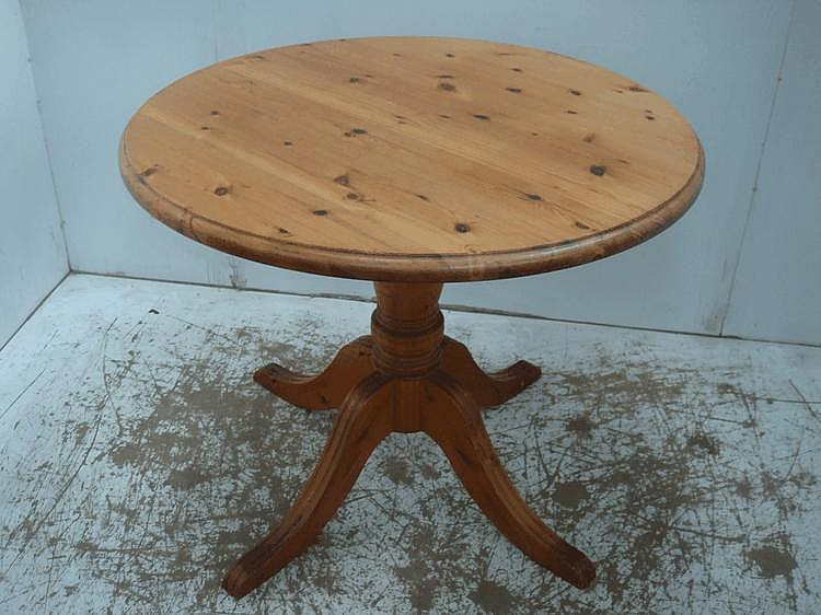 Polished Pine Circular Top Single Pillar Table